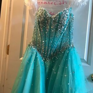 Jovani Tiffany Dress size 4. Brand New.